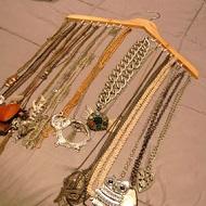 DIY Percha para ordenar collares