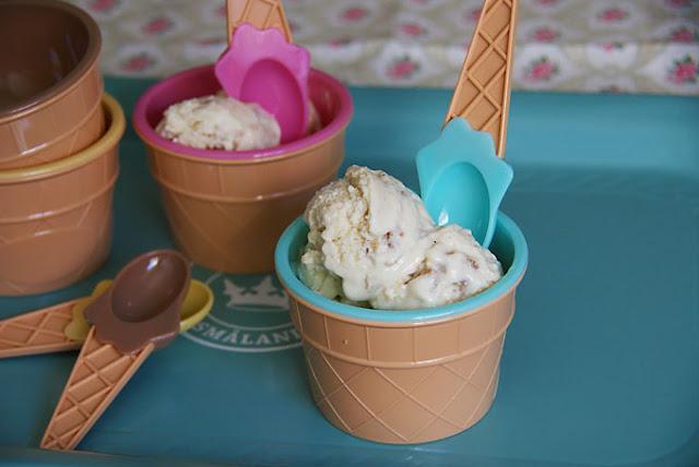 Yogur Helado Con Miel Y Nueces Y ¡felices Vacaciones!