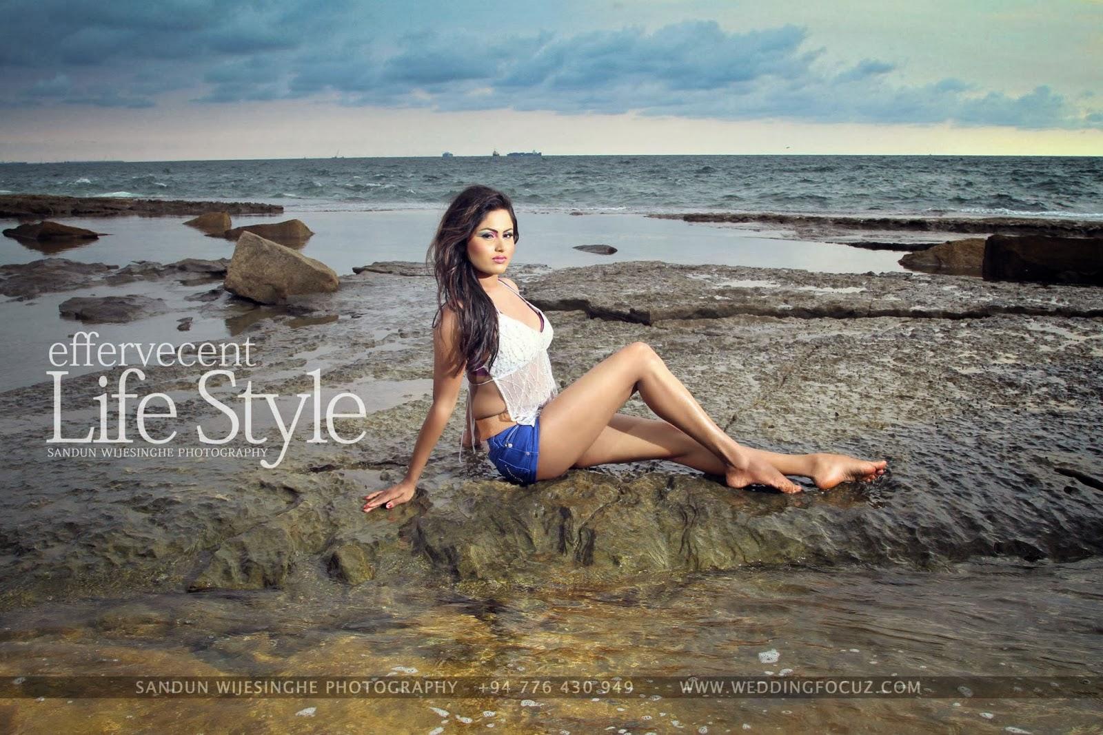 Kaushalya Udayangani sexy legs