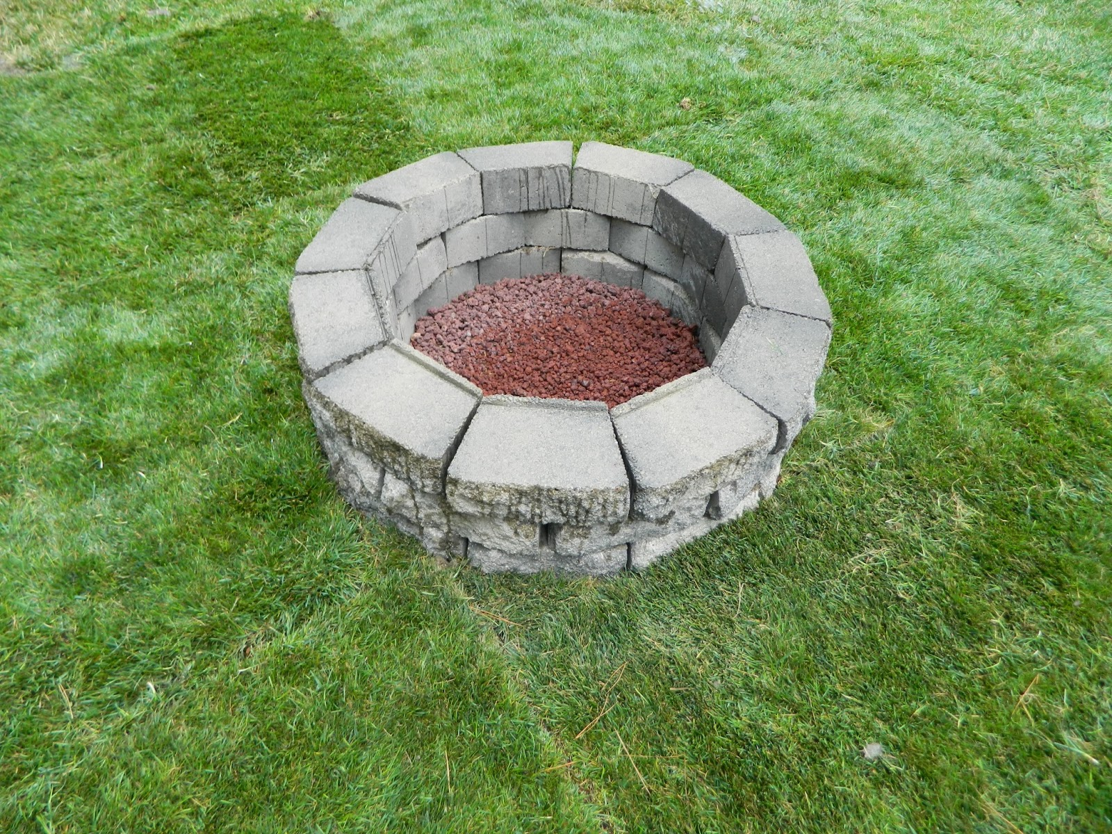 Hawes mom how to build a fire pit for How to build a block fire pit