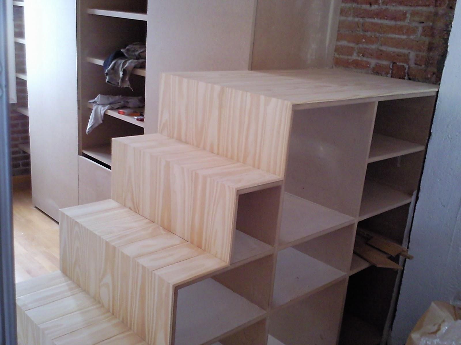 Carpinteria loren comedor con escalera altillo for Escaleras para altillo