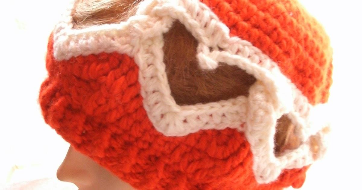 kochloeffel-und-nadelkissen: Mütze mit ineinander verschlungenen Herzen