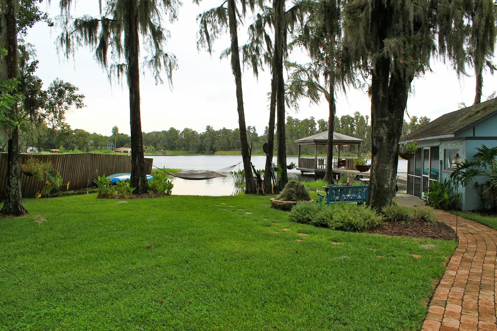 W Lutz Lake Fern Road House Information