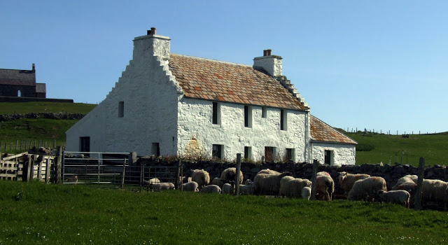 Auld Haa Guesthouse   - - -     Fair Isle - Accommodation