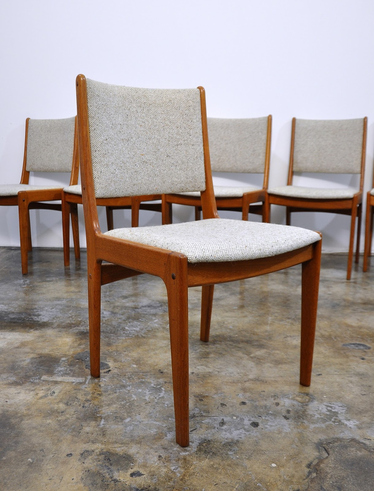 Select Modern Set Of 6 Danish Modern Teak Dining Chairs