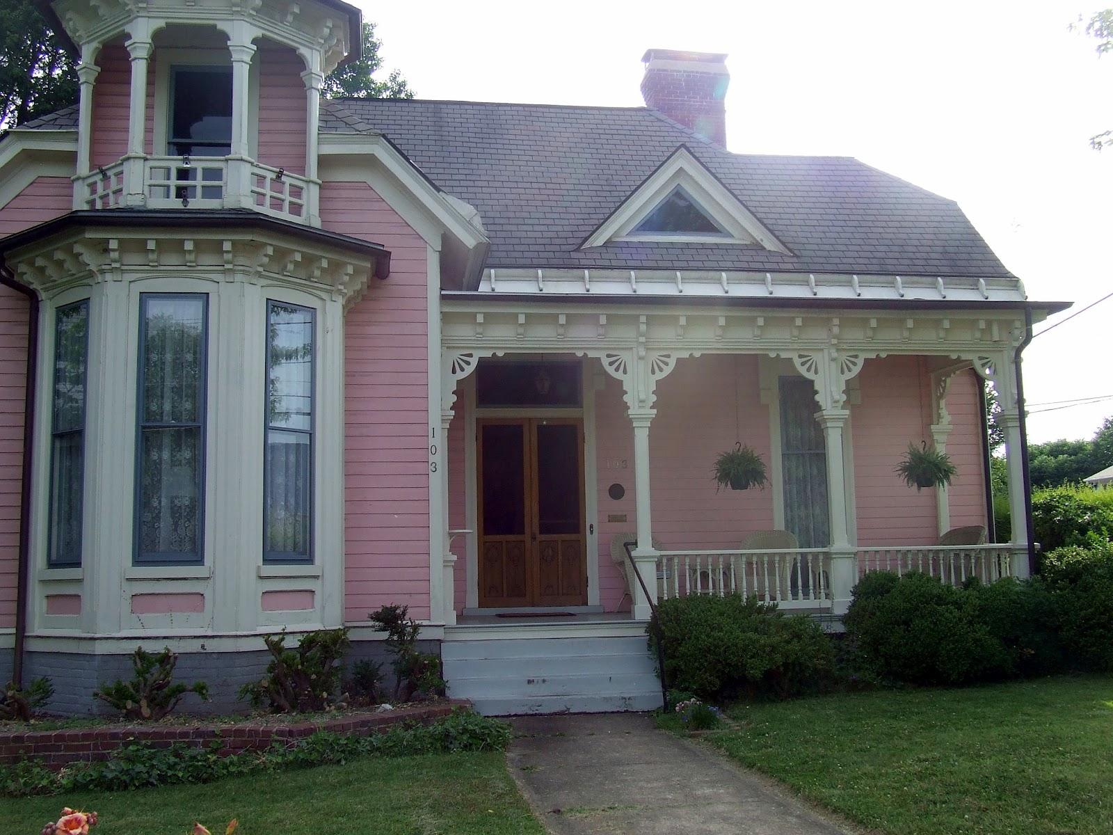 My blue cottage a walk in salem virginia for Salem house