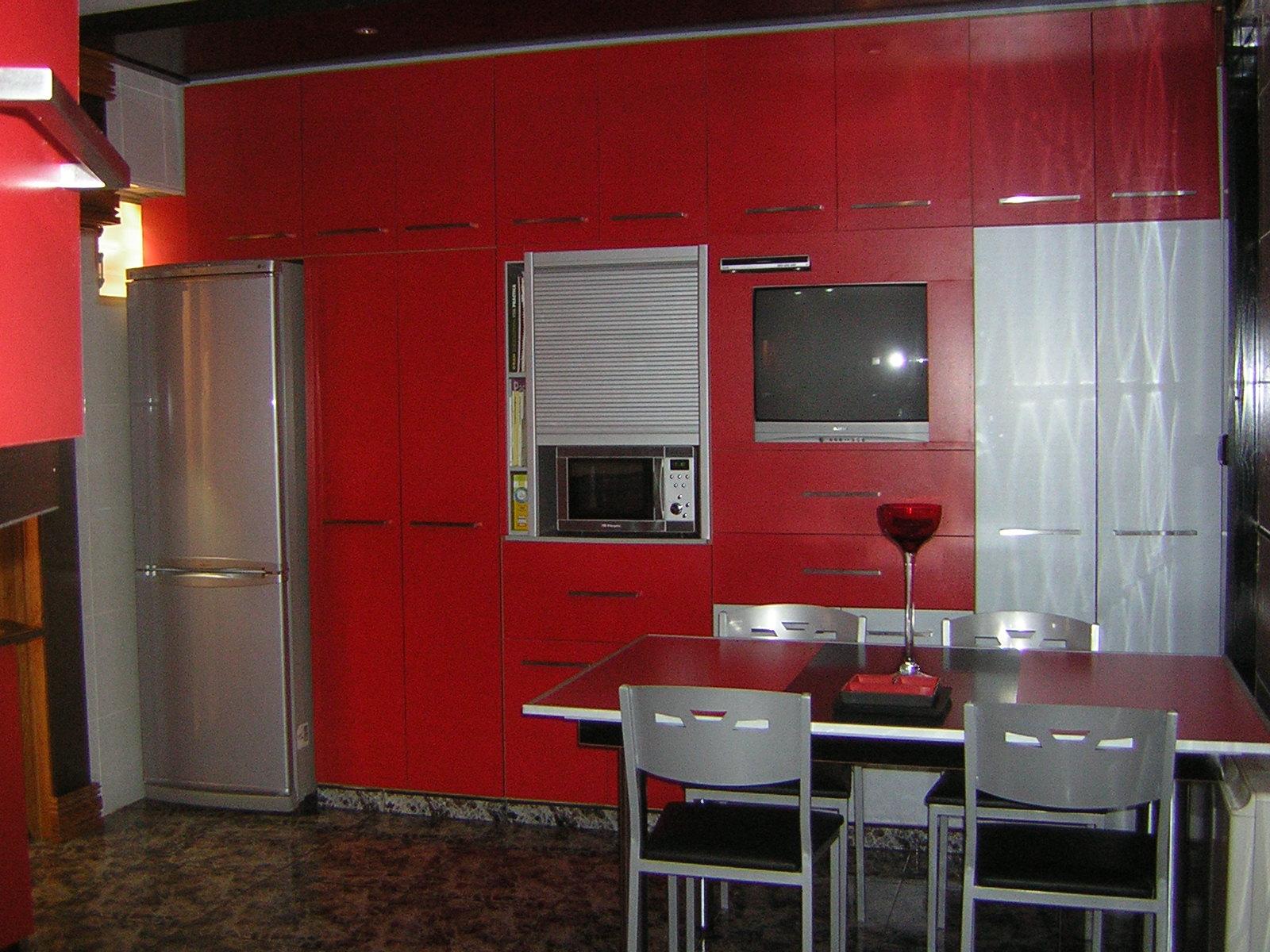 Carpinter a juan miguel cocina en rojo y negro - Cocinas en rojo ...