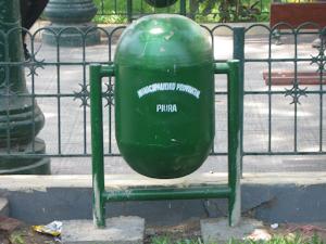 El importante tema de la falta de basureros en Piura
