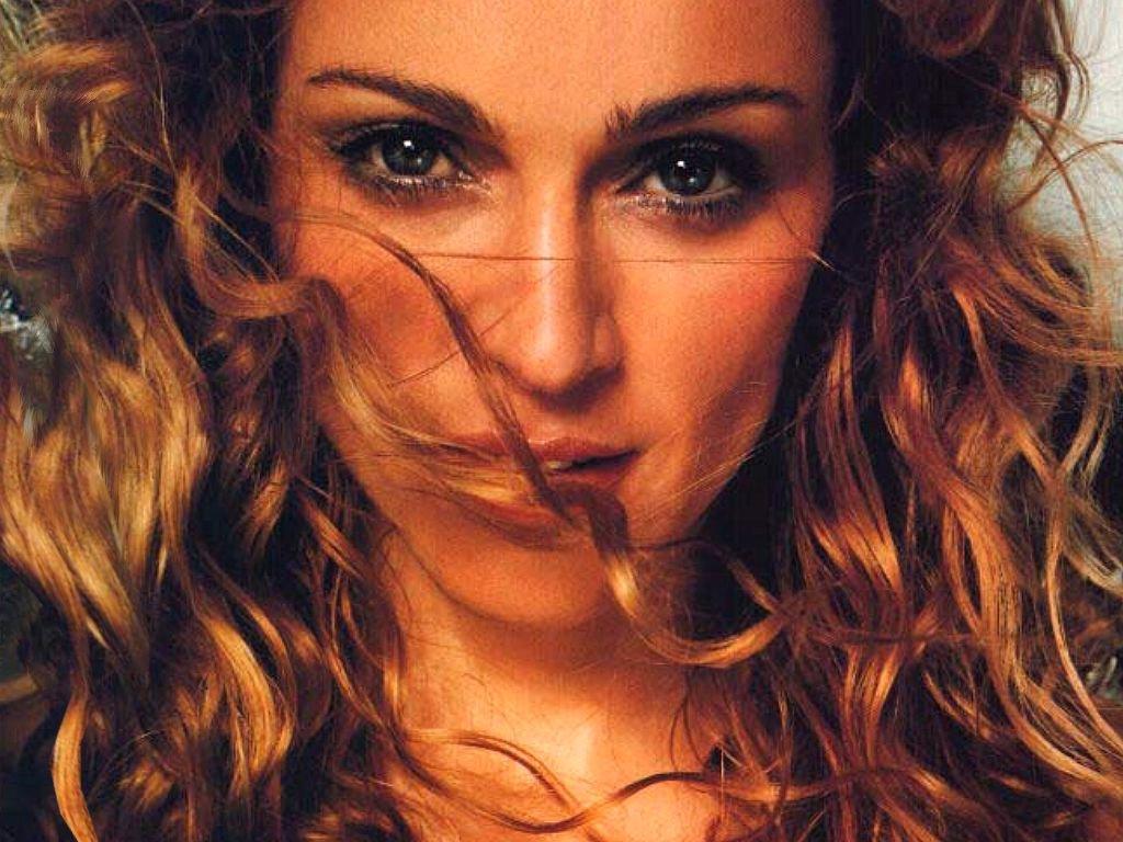 http://1.bp.blogspot.com/-NVdf99CMUNY/TxP4K2bbYoI/AAAAAAAAA5Y/0M3HIa7LWQg/s1600/Madonna-15-HWYBEJ5QGM-1024x768.jpg