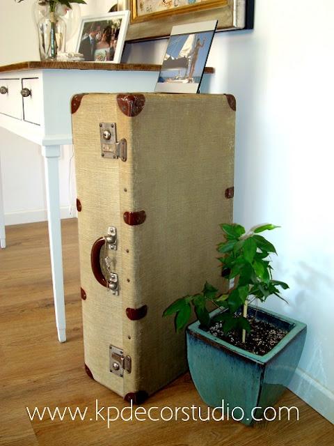Maletas de viaje antiguas para decoracion vintage de interiores