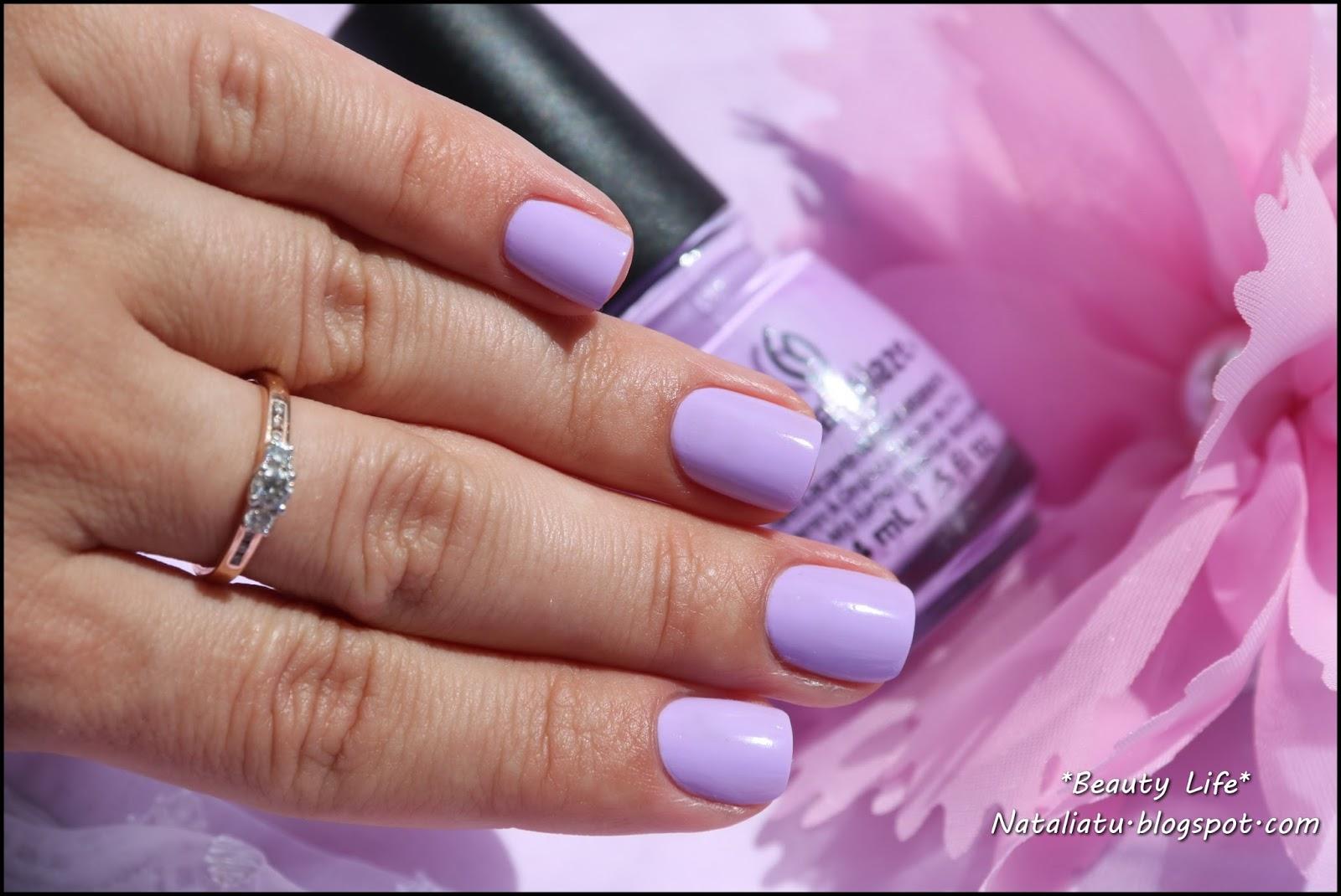 Фиолетовый и розовый лак на ногтях фото