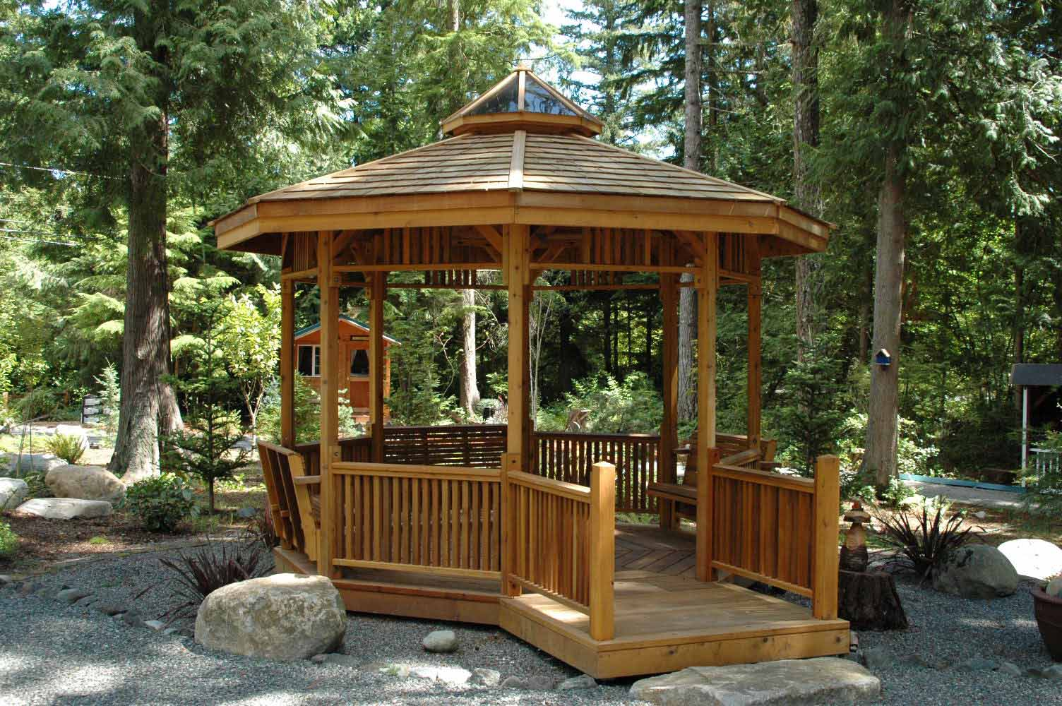 How to create a comfortable gazebo at home home garden for Outdoor plans and designs
