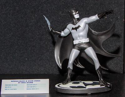 DC Collectibles Batman Black & White Statue - Mike Allred