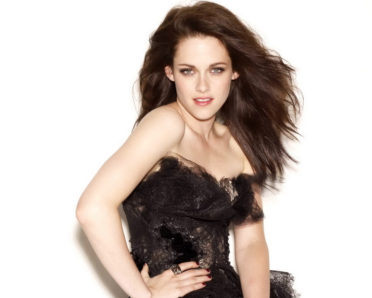 Kristen Stewart is a pictures of a beautifull and sexy. Kristen Stewart