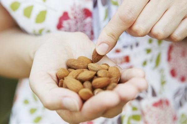 8 Makanan Cemilan yang Tidak Bikin Gemuk