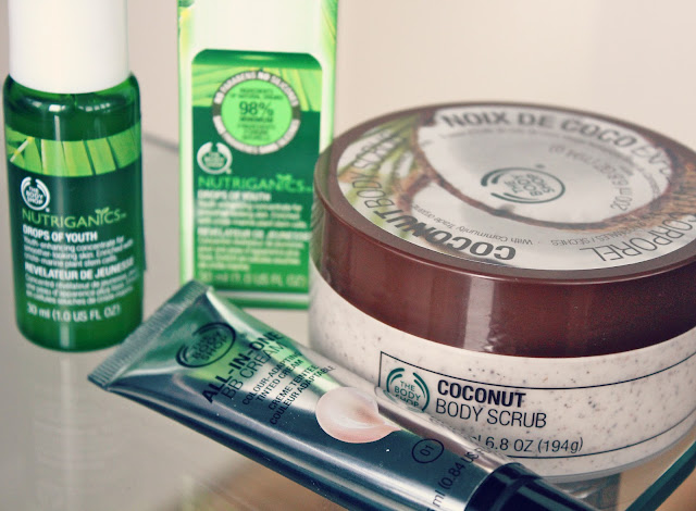 The Body Shop BB Cream Review, The Body Shop Nutriganics Drops of Youth Review, The Body Shop Coconut Body Scrub, UK Beauty Blog, Makeup and Skincare Reviews
