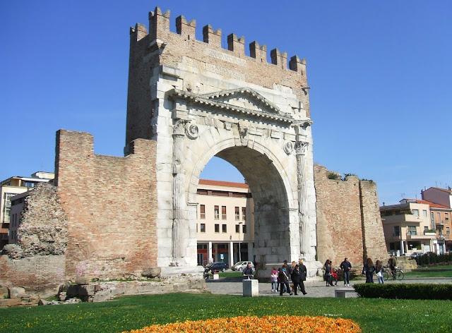 Il grande Arco di Augusto a RImini