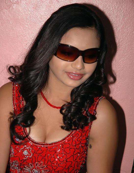 yamini in red dress hot photoshoot