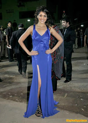 Genelia D'Souza arrives for the Filmfare Awards at Yash Raj Studio Mumbai_FilmyFun.blogspot.com