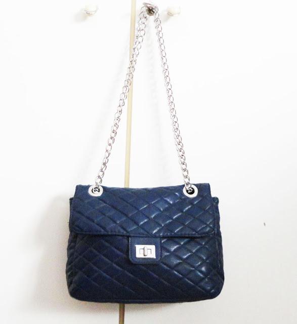 https://www.chicfy.com/bolso-acolchado/bolso-pequeno-acolchado-color-azul