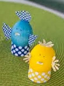 http://manualidadesreciclables.com/13089/huevos-de-pascua-decorados