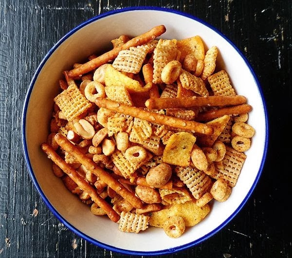 http://elcrumbo.blogspot.com/2013/09/note-on-chex-mix.html