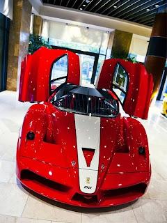 Gambar Mobil Ferrari tercepat