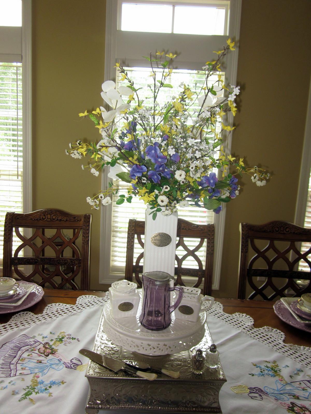 a southern belle dishes on decor tablescape southern belle. Black Bedroom Furniture Sets. Home Design Ideas