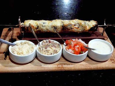 Azougue Espeteria Gourmet: Espeto de Filé Mignon com Provolone