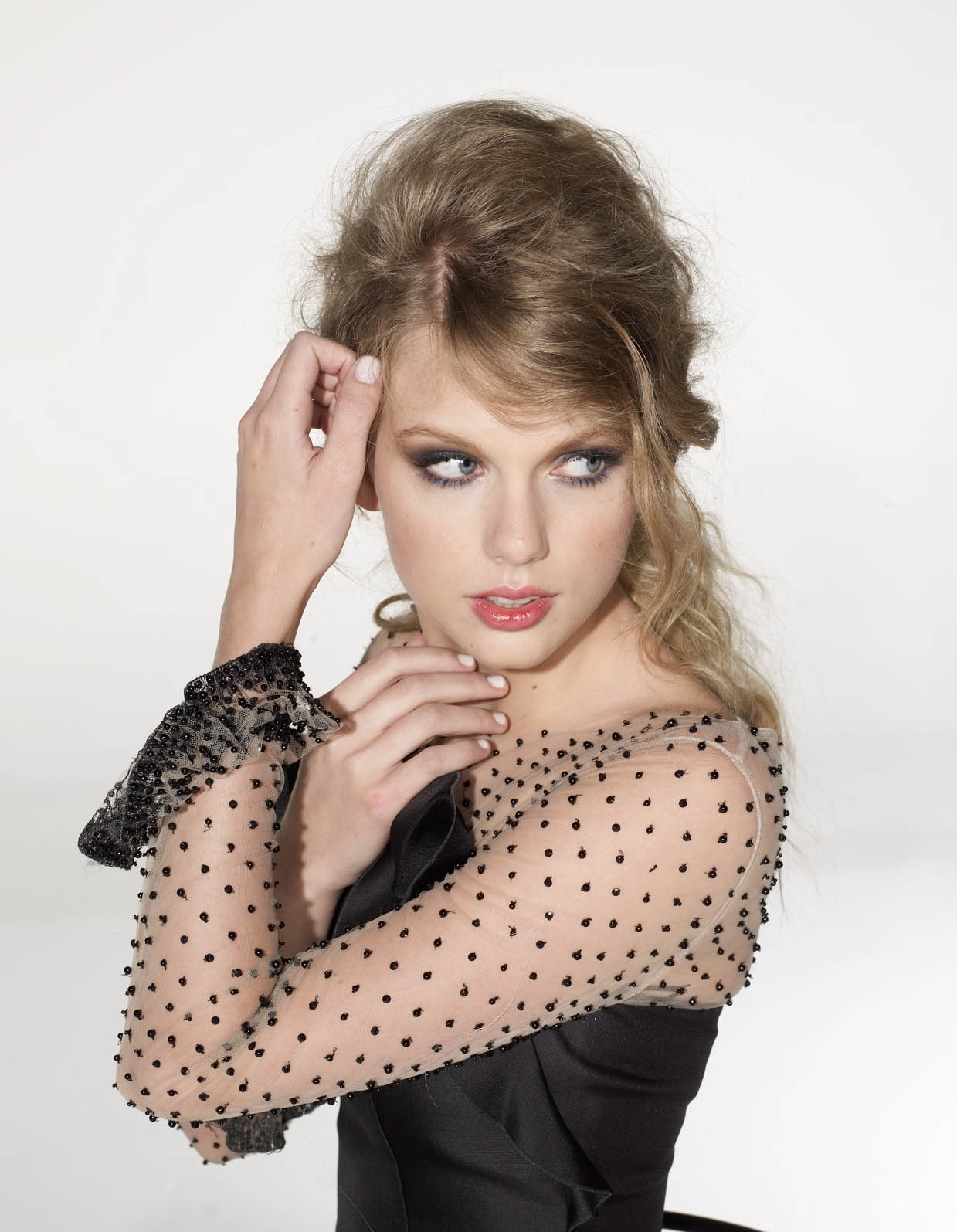 http://1.bp.blogspot.com/-NWaQSq8w0DM/Tl9VheESz4I/AAAAAAAAAaM/2hKLTJDY6OY/s1600/Taylor-Swift-songs-about-lyrics-love-story-hairstyle+%25285%2529.jpg