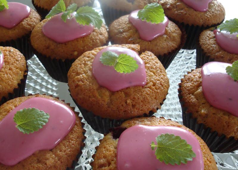 muffins med chokolade og hvid chokolade