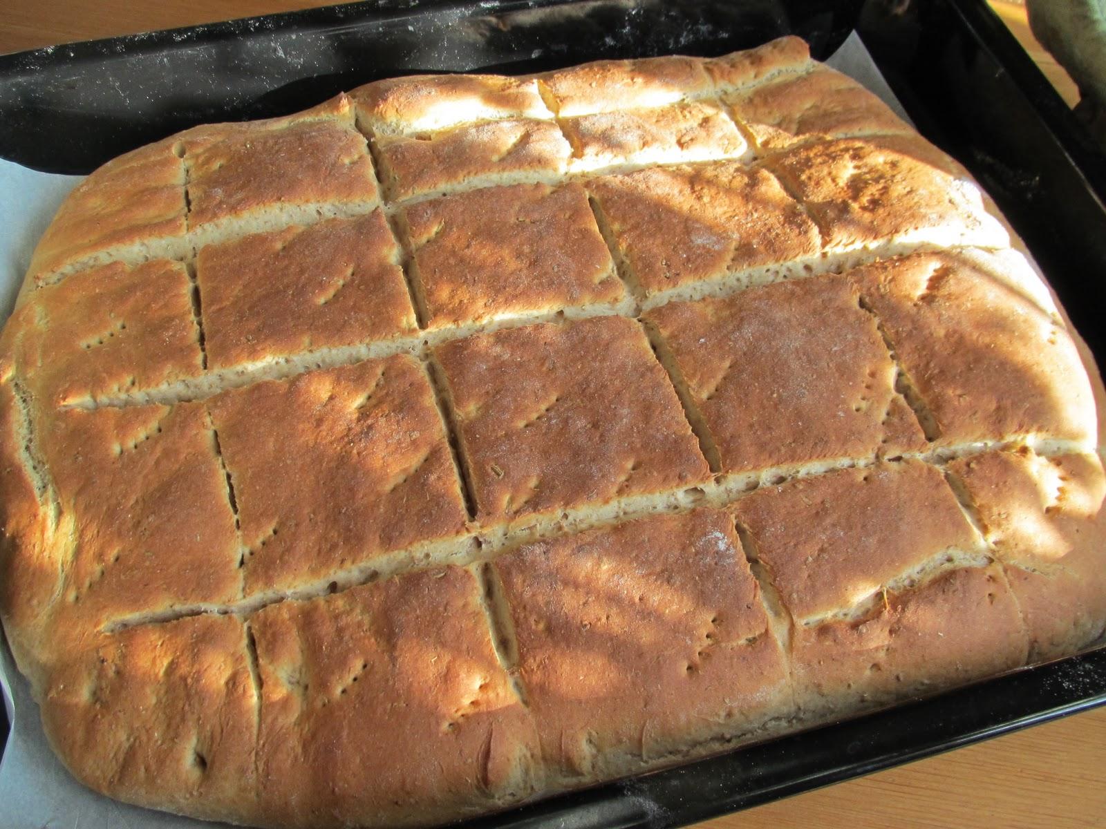 grovt rågbröd i långpanna
