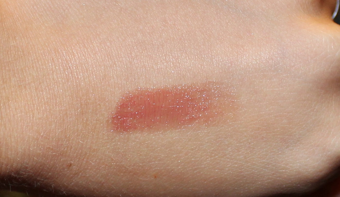 Fresh Sugar Lip Treatment SPF 15 in Honey Swatch