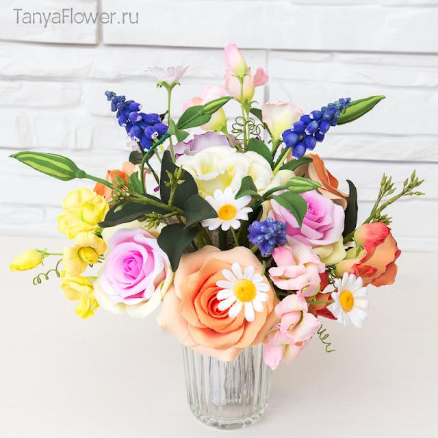 красивый букет полевых цветов ручной работы