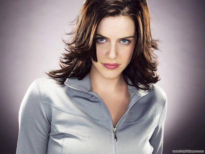 Michelle Ryan Hollywood Actress Wallpaper-1600x1200