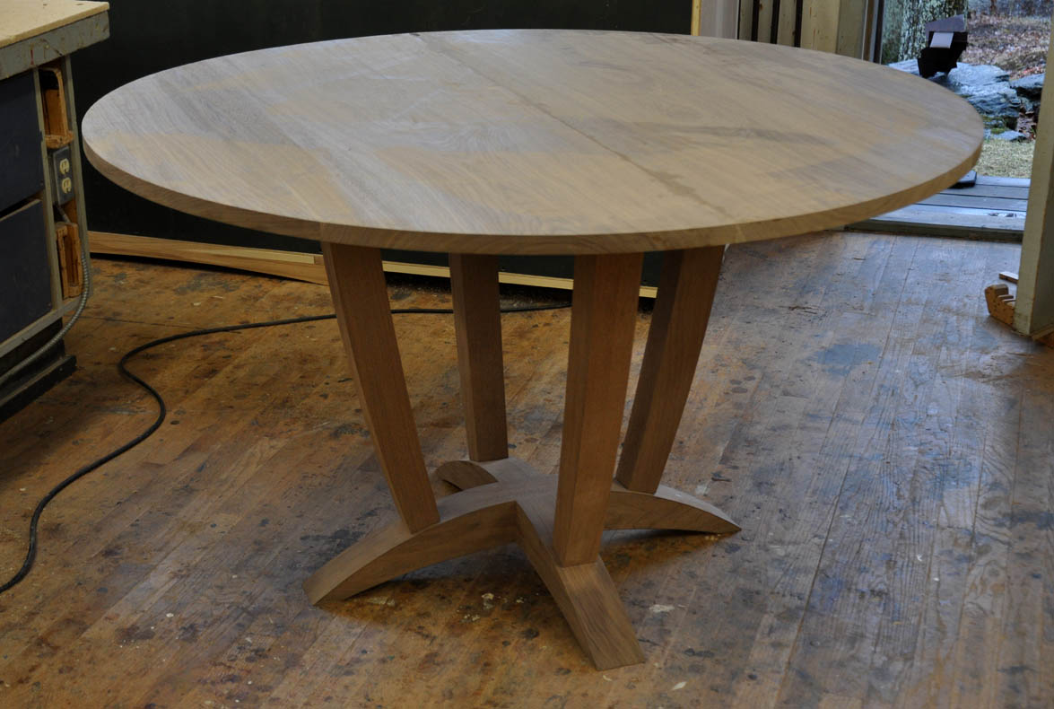 Furniture A Woodworkers Photo Journal A Round Walnut Dining Table