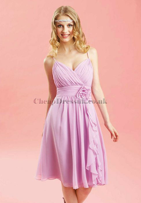 http://www.chicfromhair2toe.com/2015/04/picking-out-right-dress-for-prom-night.html