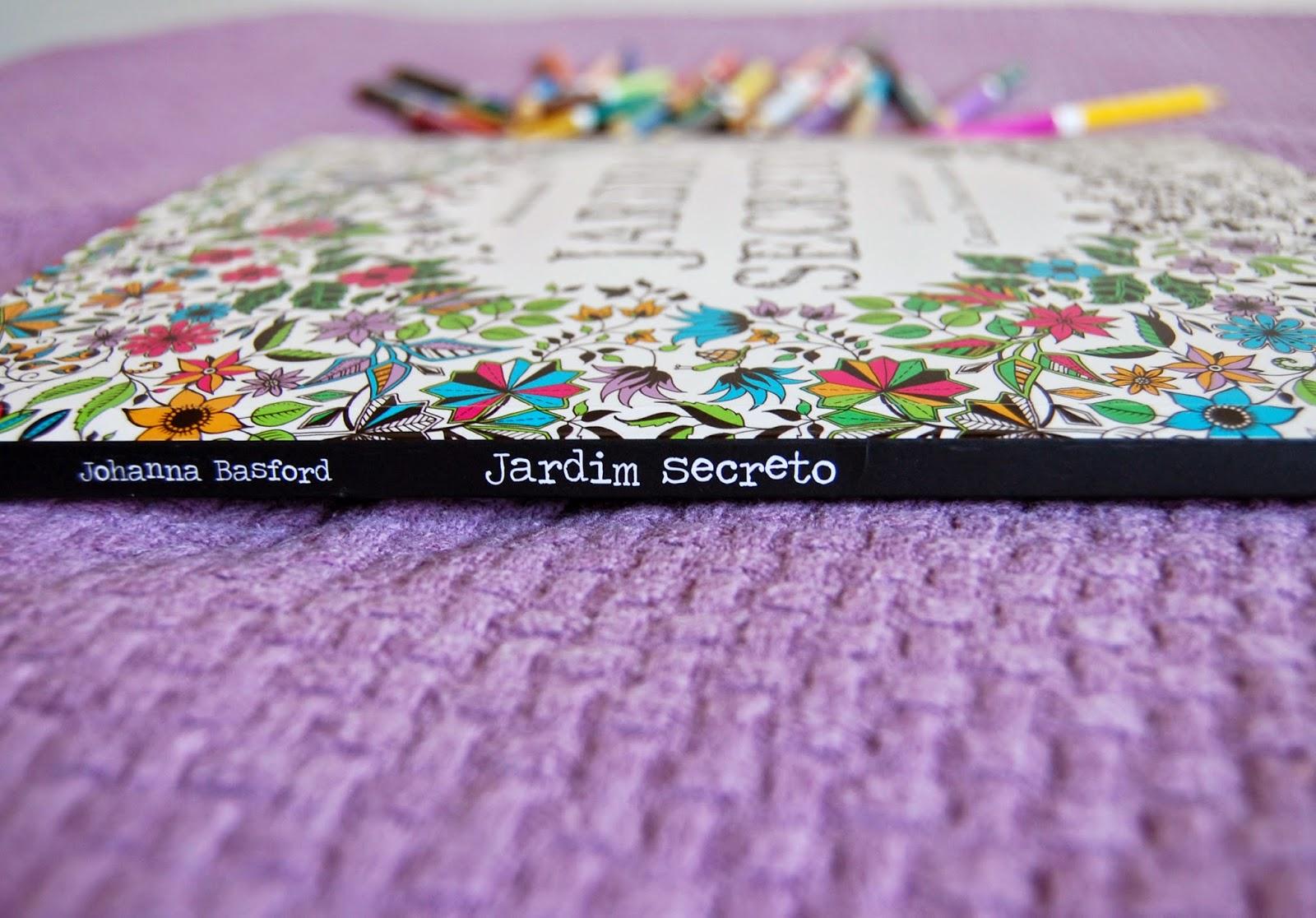 livro Jardim Secreto de Johanna Basford
