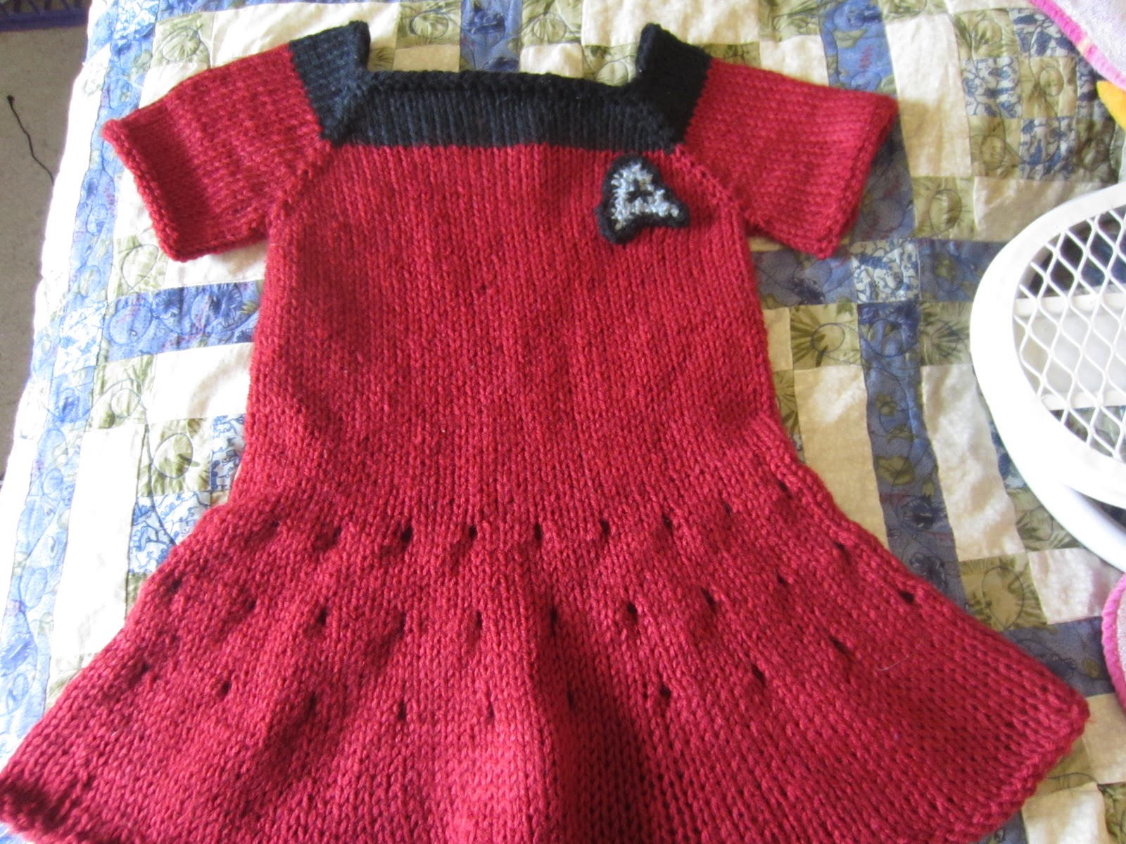 Jessica Snell\'s blog: Knitted Star Trek Dresses (and a few other FO\'s)