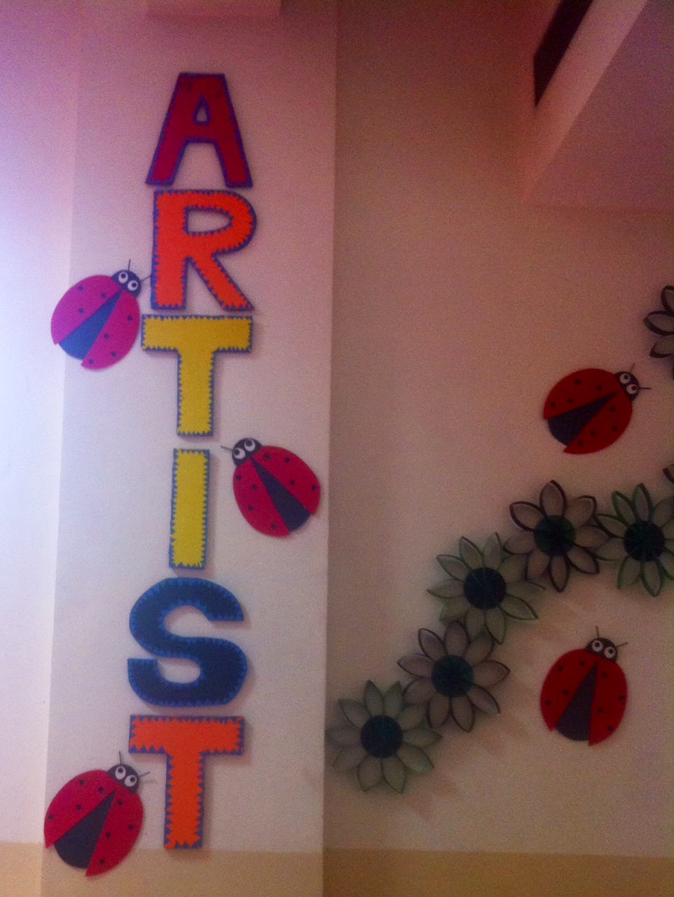 Art craft ideas and bulletin boards for elementary for Art and craft ideas for room decoration