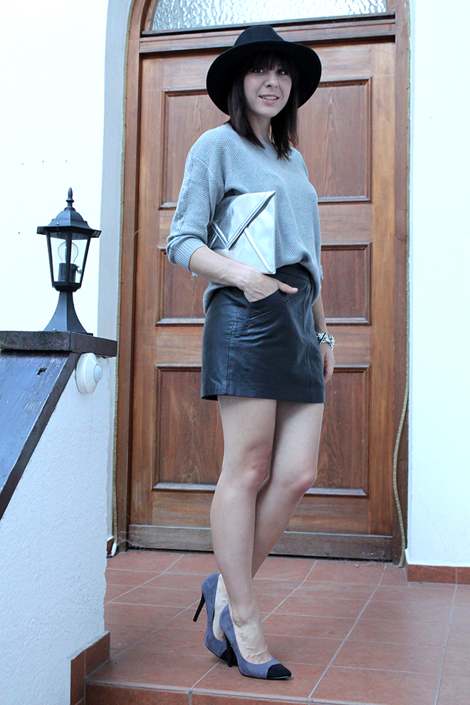 outfit_trend_fashionblogger_lederrock_tchibo_pullover_silber_metallic_primark_pumps