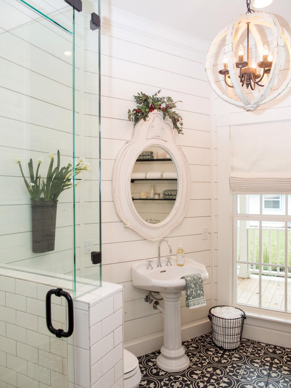 Windmill farm remodeling hall bathroom again for Joanna gaines bathroom designs