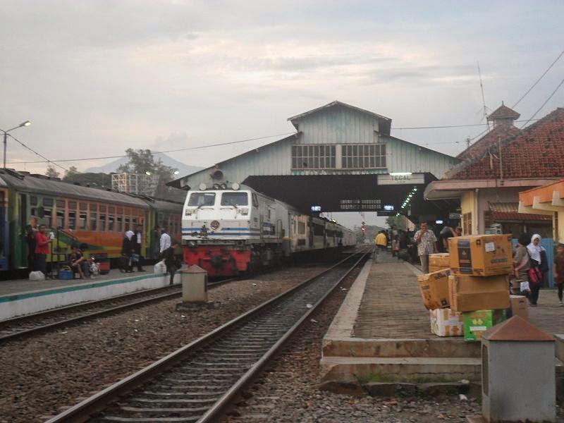 Infromasi Jadwal dan Harga Tiket Kereta Api Jakarta-Tegal Februari