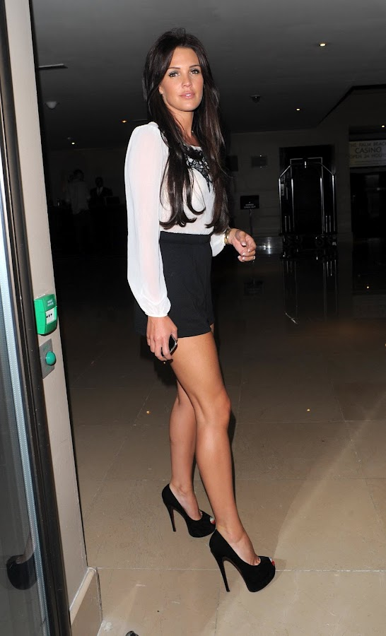 Danielle+Lloyd+Leggy+ +Novikov+Restaurant%252C+London+ +September+1%252C+2012+5 Danielle Lloyd Leggy Photos in Novikov Restaurant, London