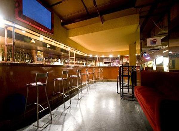Sala Clamores Guia Vintage De Madrid