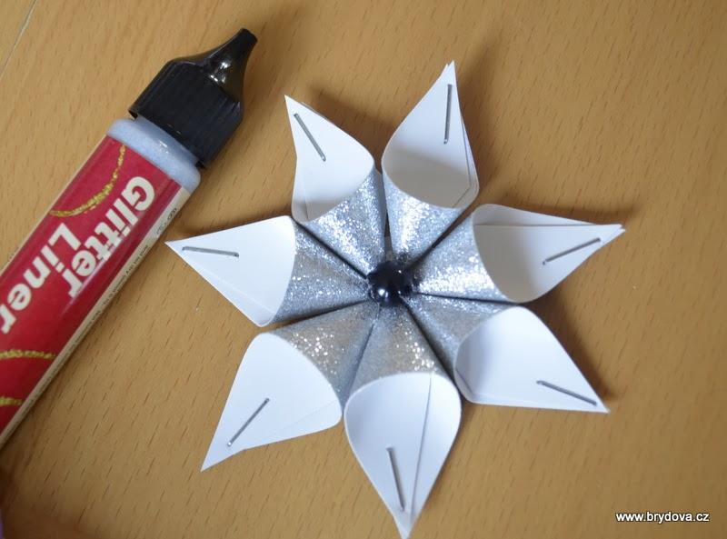 Paper star ornament handy diy for Diy paper ornaments