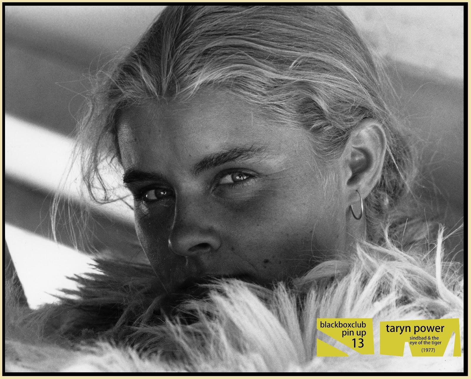 Taryn Power Nude Photos 23