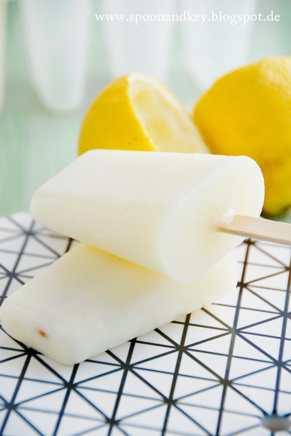 Buttermilch Zitronen Popsicles Rezept Spoon and Key / www.spoonandkey.blogspot.de
