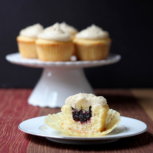 blueberry stuffed cupcakes with vanilla bean frosting for the cupcakes