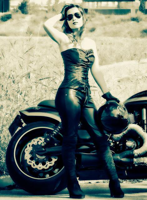 Judit sesión moto B&N